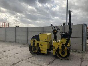 cilindru compactor pentru asfalt DYNAPAC CC122